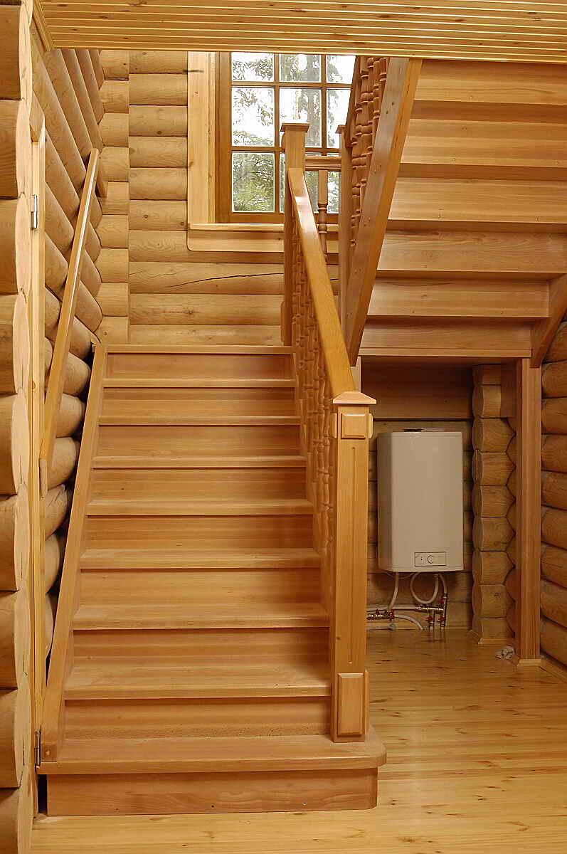 Купить комплектующие для лестниц, ступени и балясины из